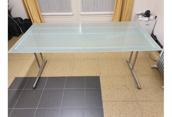 Bureau, glazen blad met metalen onderstel - 20210205_183656