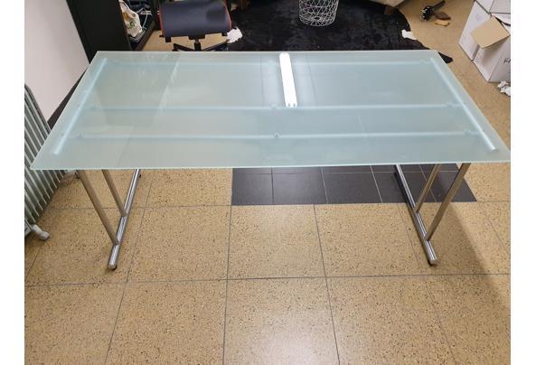 Bureau, glazen blad met metalen onderstel - 20210205_183802