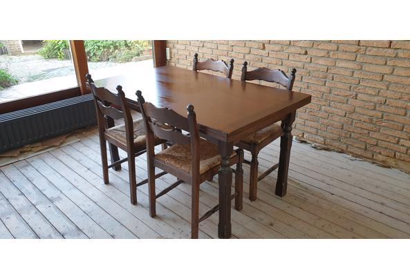 Uitschuifbare eettafel met 4 stoelen. - 20210904_183419