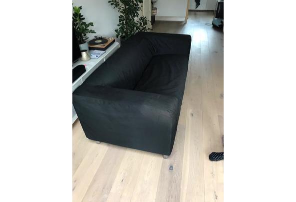 zwarte IKEA bank, ruime 2-zitter,wasbare stof - bank1.jpeg