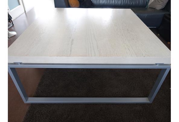 Robuuste salontafel, winkel presentatietafel of speeltafel - DSC05889