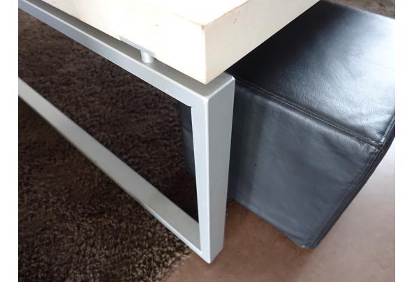 Robuuste salontafel, winkel presentatietafel of speeltafel - DSC05890