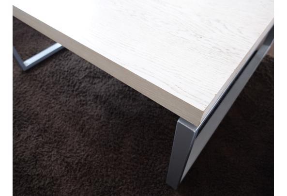 Robuuste salontafel, winkel presentatietafel of speeltafel - DSC05891