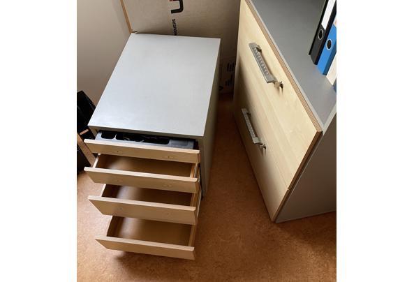 Kast voor hangmappen en ordners; bijbehorend ladenkastje - IMG_4591