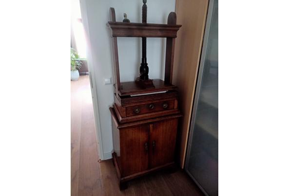 Leuk oud pers kastje - pers-meubel