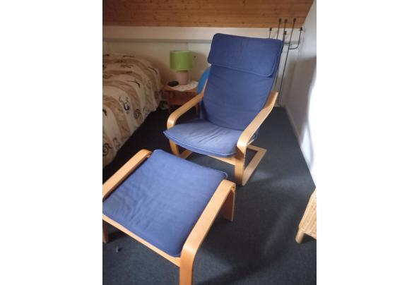 ikea relaxfauteuil met voetenbankje (blauw) - ikea-stoel
