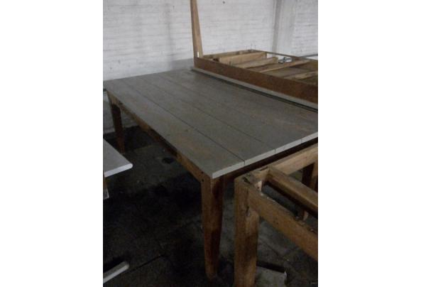 mooie degelijke houten tafels - grijze-tafel-2