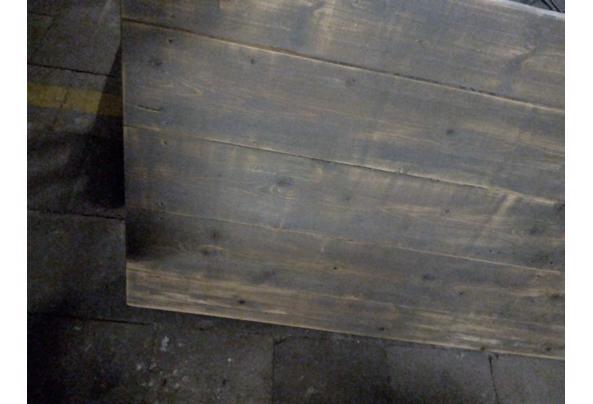 mooie degelijke houten tafels - grijze-tafel-4