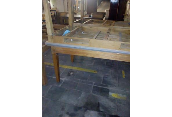 mooie degelijke houten tafels - grijze-tafels-3
