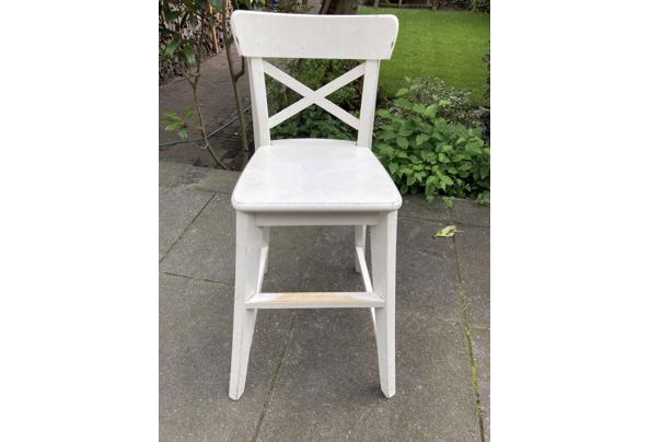 Diverse stoelen wit - F6719902-1464-4762-8466-E28C50164B7B