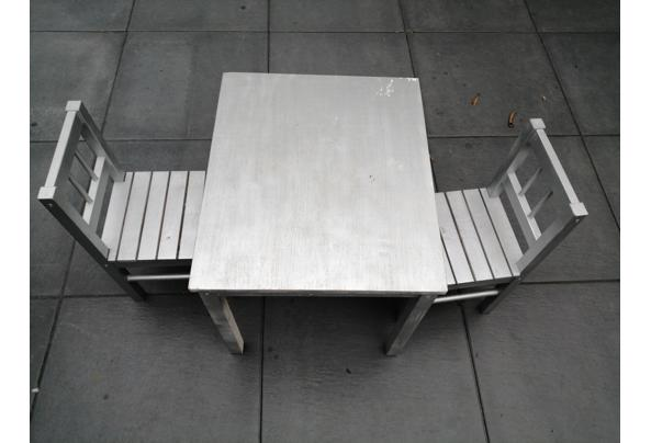 Ikea kindertafel plus 2 stoeltjes - 16316282237252182089466085902772