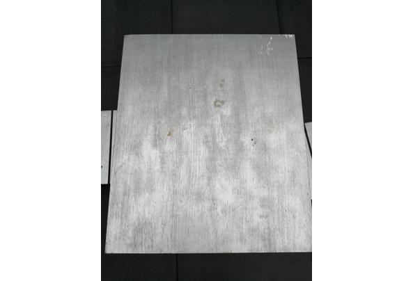 Ikea kindertafel plus 2 stoeltjes - 16316282405524168162517307816594