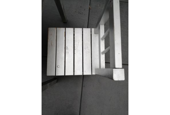 Ikea kindertafel plus 2 stoeltjes - 16316282551832066028051743597424