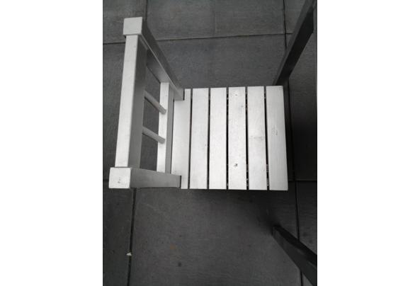 Ikea kindertafel plus 2 stoeltjes - 16316282677694451881968685166700