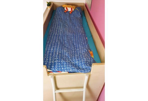 Hoogslaper met inbouwkasten + matras  - 20210117_144259