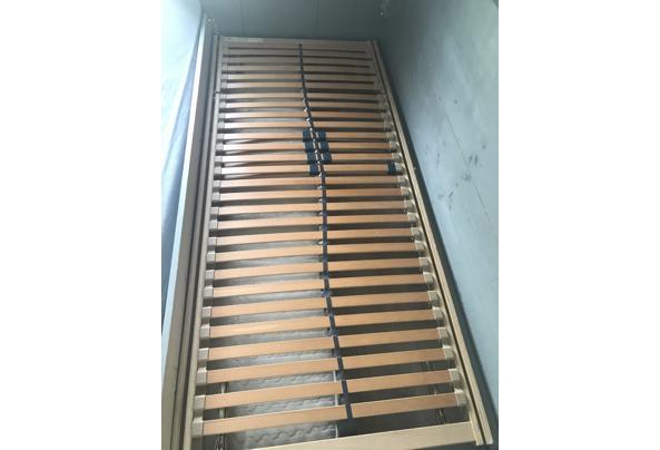 Mooi houten bed  met lade incl bedbodem en matras - 51DC85BE-A525-4D5D-B458-5424B9096D96