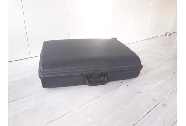 Reiskoffer - 6546145B-45BF-4ED7-A445-757063CC0254