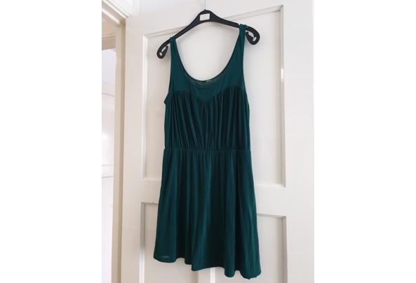Groen jurkje kort model - 20210207_142857