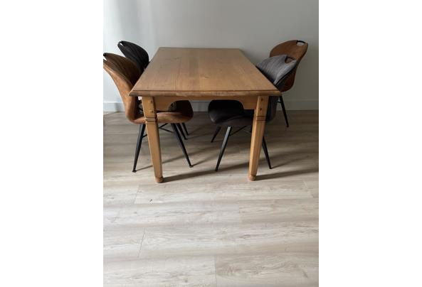 Mooie tafel voor 4-6 personen - 776810D1-FA88-4A53-A69E-C244ABF90162