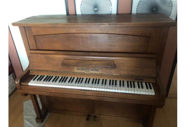 Piano GERGARD ADAM - a36f0ea8-9adf-4096-b6e8-a425118e4517-(1)