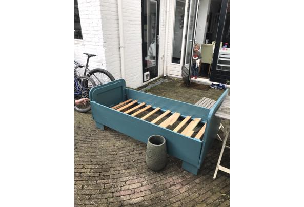 Landelijk houten junior bed, groen/blauw - IMG_3775
