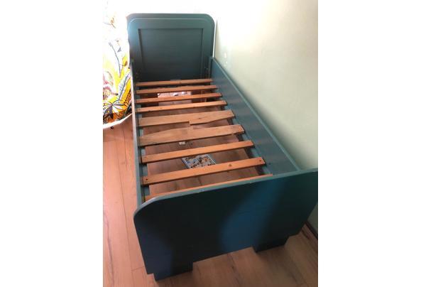 Landelijk houten junior bed, groen/blauw - f4c53ccb-6d71-473f-98b8-fea83fc040c0