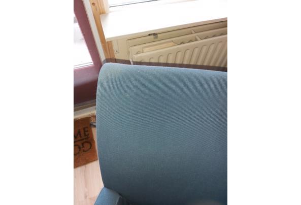 Twee heerlijke goede blauwe stoelen - 20210321_124639