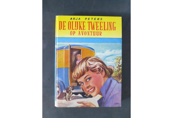 Boeken uit de oude doos (swiebertje, Pietje puk) - boek_olijke_tweeling