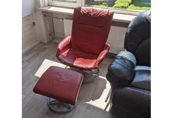 Rode stoel met voetenbank - PXL_20210528_110313192_2