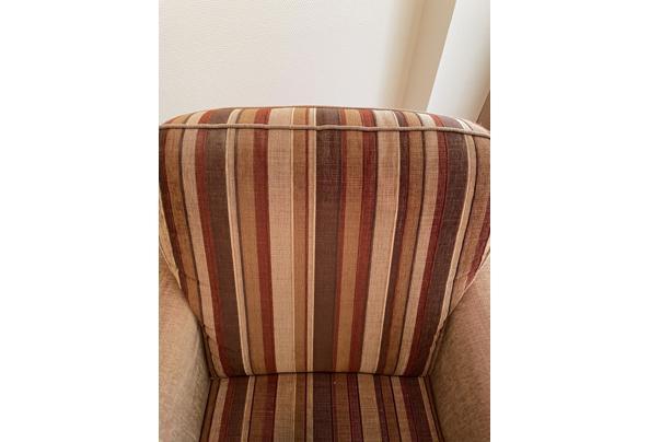 Tweezits bank plus twee bijbehorende fauteuils  - 15EBECB5-7D21-4DE6-83DE-508F4EF3FB92