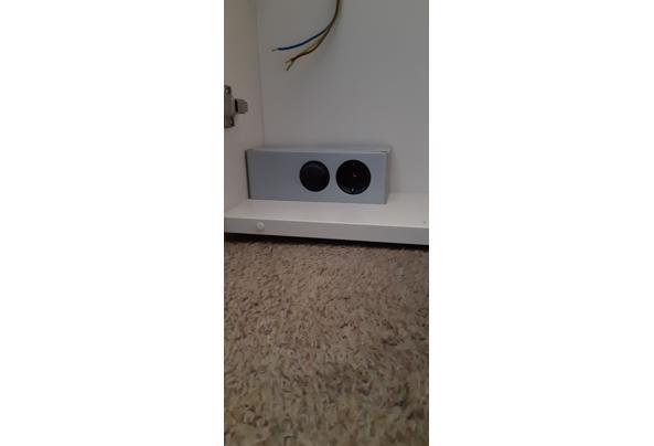 kastje met spiegel, stopcontact en halogeen-lampje - 20210405_102124