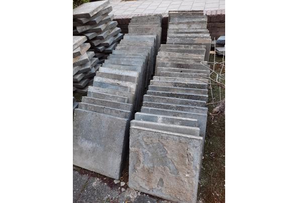 Grijze tegels 50x50, 5 cm dik in prima staat - 20210507_200756