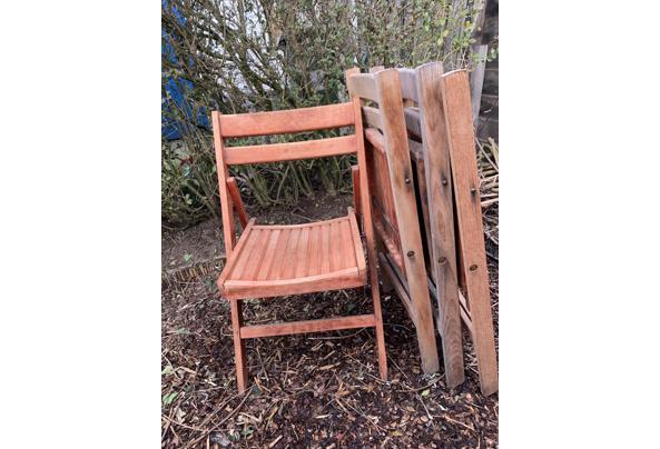 Vier houten inklapbare stoelen - E1484536-D8CC-4BEA-9F12-9327043773A7.jpeg