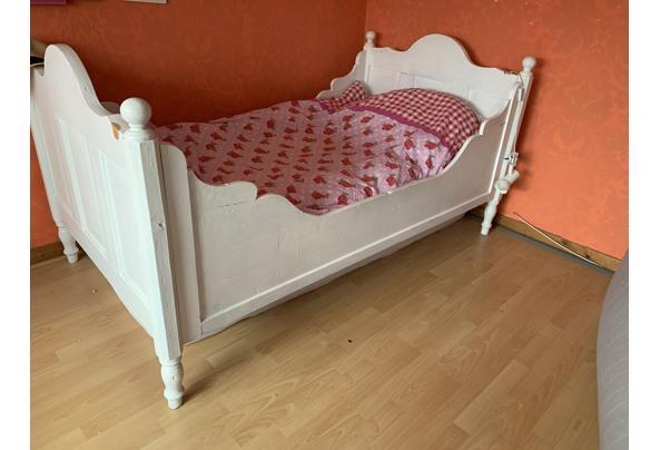 Antiek bed - 30226193-612A-4EF9-872F-B83C7B937EEE.jpeg