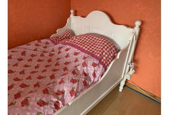 Antiek bed - C76E73E2-8375-4B12-B8BC-951E5D04EB7C.jpeg