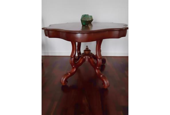 Antieke Franse kleine tafel - 20201008_175041_637380965431120470