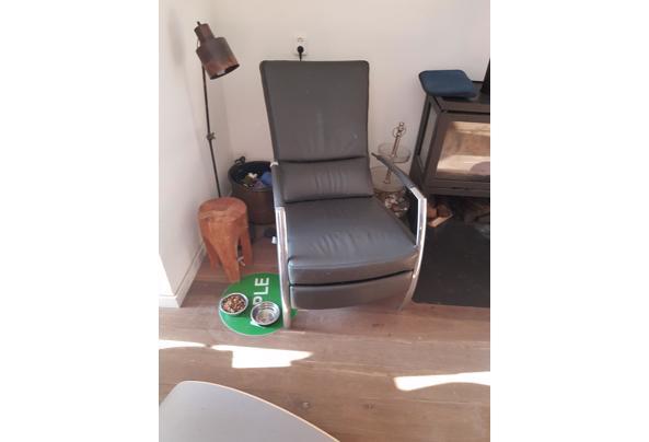 Grijze leren fauteuil - 20201107_141059