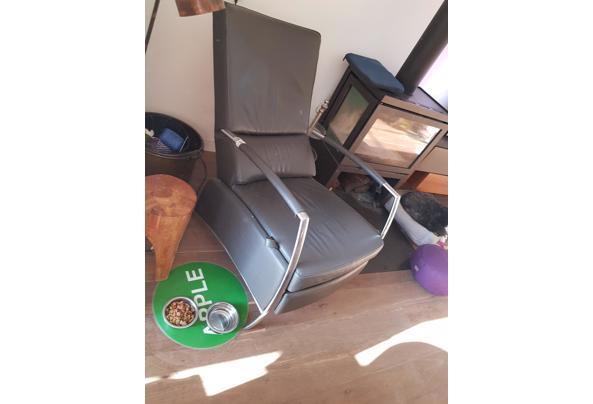 Grijze leren fauteuil - 20201107_141104