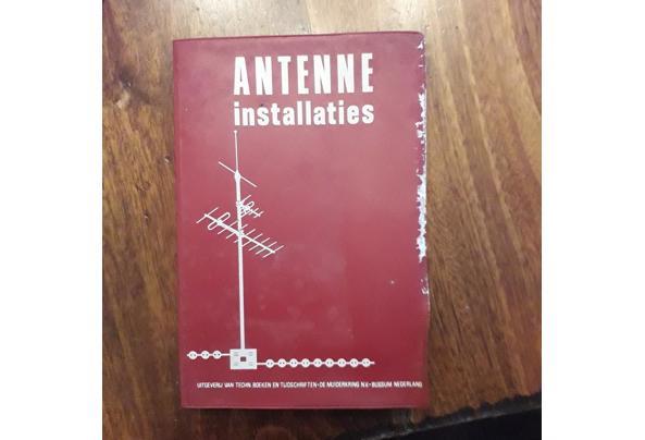 Oude leerboeken electronica/electra/luchtvaart etc - Image00005_637477957278276813