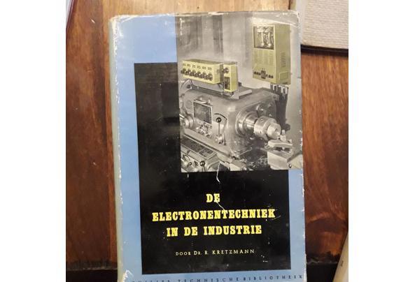 Oude leerboeken electronica/electra/luchtvaart etc - Image00006_637477957321134247