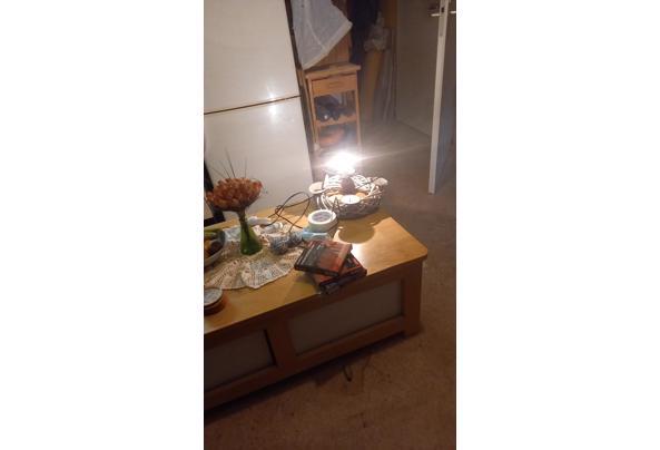 Oude manden, lampenkappen,oude fittingen en oude schakelaars  - IMG-20210402-WA0015