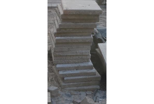 22 betontegels 40 x 60 - 20210417_195111
