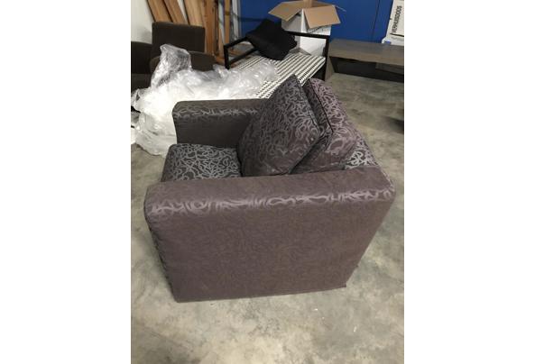 2x bruine fauteuil  - 8882F03C-6A81-4DF6-8C95-395D502860A9