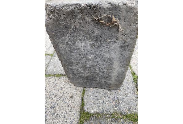 Gratis af te halen: 70 M2 Abbey Stones grijs/zwart 30X20X6  - IMG_5195_637617864191332603