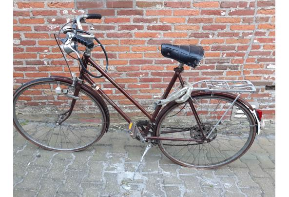 Oude sportfiets, op te knappen met nieuwe banden - 20210326_180102