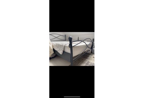 Antractiet bed frame 140 x 200 - 69F5DF6C-E1C7-4E9B-A76D-19A7C42EFDEB