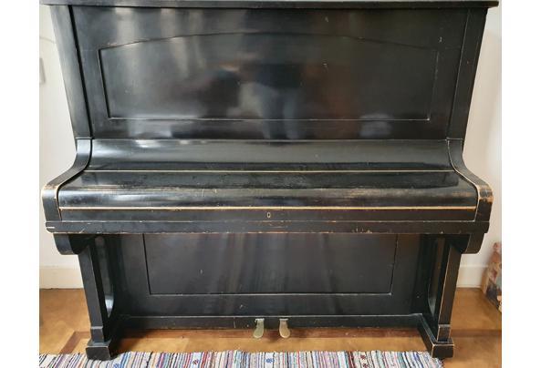 Zwarte piano - 20210522_152923