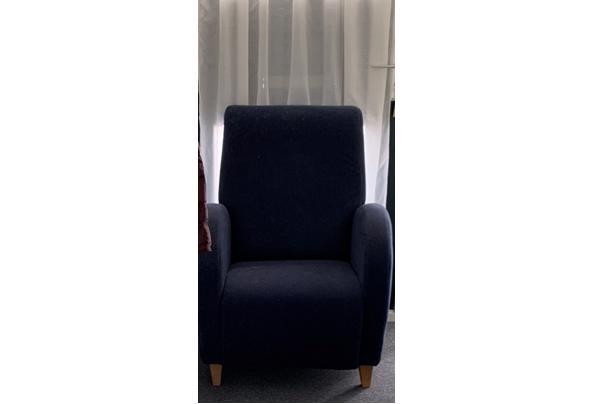 3 zit stoelen  - E0C76E44-12C7-4623-86C6-DC0D1C551ACE.jpeg