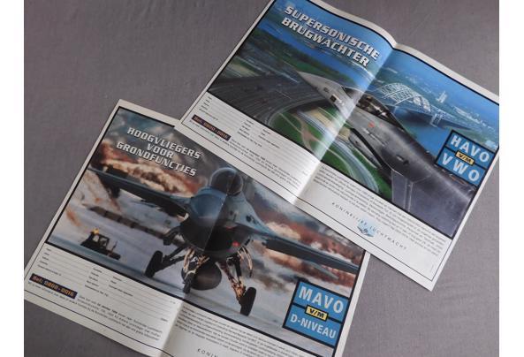 Land- en luchtmacht spullen (oa posters, kaarten, kalender) - DSCN0385_637340532125641817.JPG