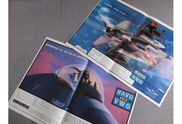 Land- en luchtmacht spullen (oa posters, kaarten, kalender) - DSCN0386_637340532153777653.JPG